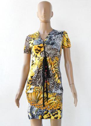 Красиве яскраве плаття з трикотажної тканини. розмір s-m.