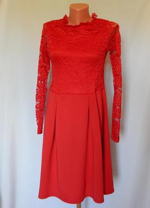 Красное платье boohoo (размер 12-14)
