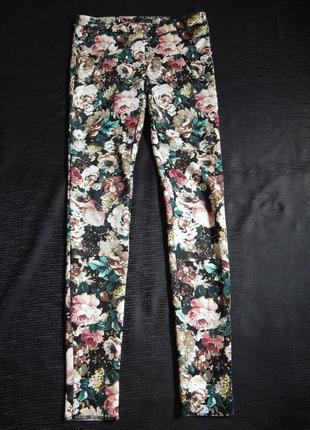Цветастые брюки zara basic (размер 34)
