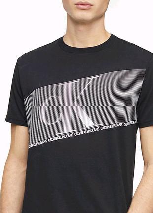 Брендовая футболка Calvin Klein