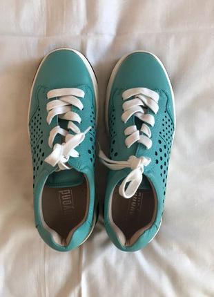 Кожаные итальянские женские кроссовки Beyond
