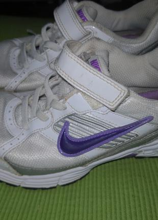 Кроссовки Nike размер 34