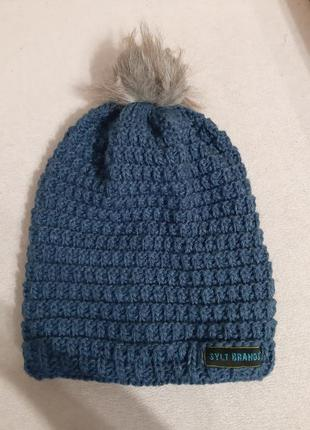 Шерстяная бини шапка крупная вязка