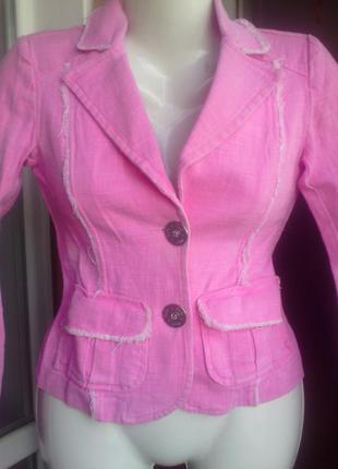 Розовый джинсовый пиджак  италия размер xs  дешево
