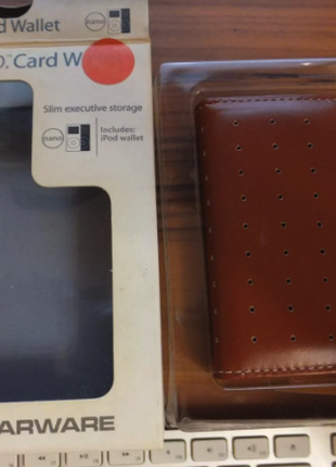 Чехол-книжка C.E.O Card Wallet для IPod Nano 1/2G-коричневый.