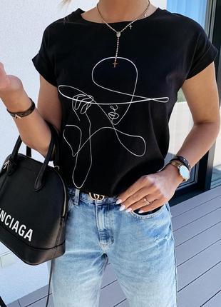 Модная футболка с девушкой