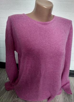 Шерстяной свитер розовый