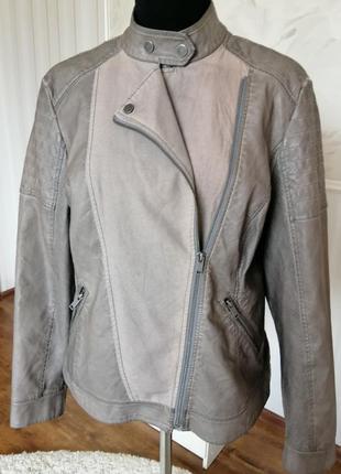 Стильная комбинированная куртка косоворотка, размер 52-54.