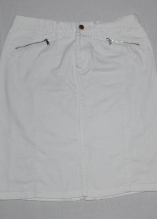 Белая джинсова юбка