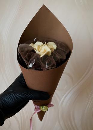 Шоколадный букет роз