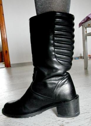 Черные кожаные демисезонные сапоги 37р.