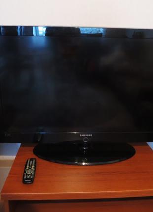 "Телевизор 42"" Samsung LE40A330J1"