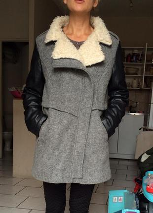 Теплое шерстяное пальто pimkie