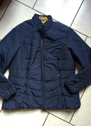 Легкая фирменная куртка большого размера
