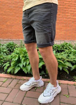 Стильные мужские джинсовые шорты
