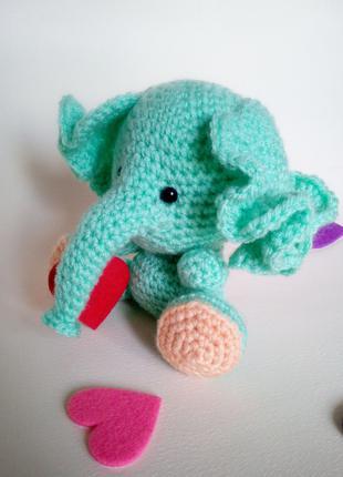 Вязаный слоненок игрушка ручная работа