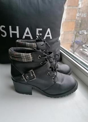 Демисзонные ботинки на невысоком толстом каблуке 6\39 (к080)