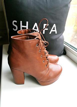 Новые сток рыжие ботинки на толстом каблуке и на платформе (к065)