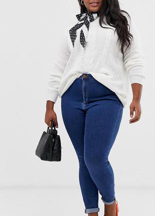 Стильные скинни джинсы с высокой посадкой мом на пышную красот...