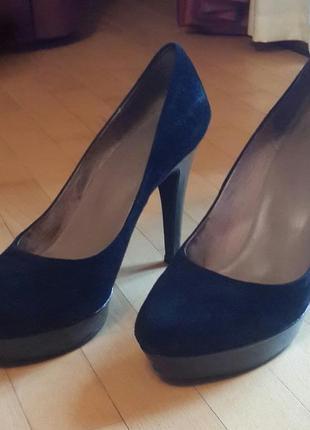 Стильные замшевые туфли cafe noir