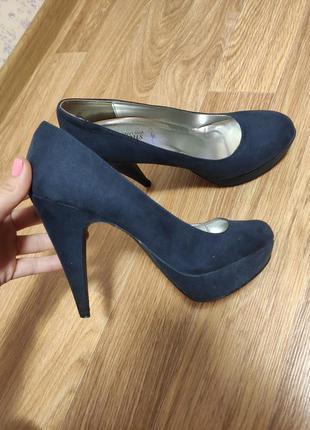 25.5 cм / туфли замшевые на каблуке