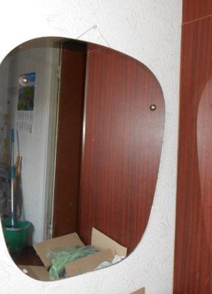 Зеркало настенное подвесное