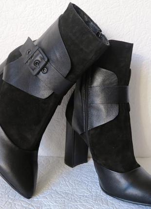 Черные стильные женские кожаные ботинки на каблуке 9 см