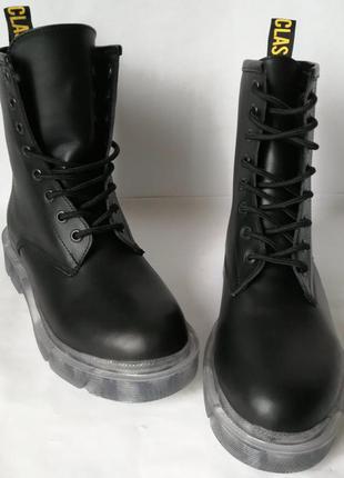 Женские зимние кожаные ботинки  на платформе  шнуровка черные