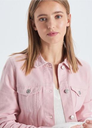 !продам новую женскую джинсовую куртку пиджак