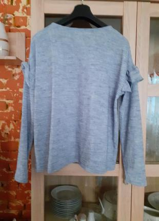 Модный с воланами пуловер большого размера