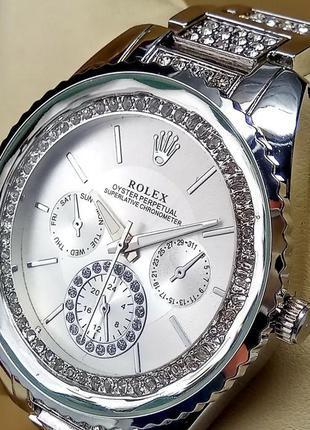 Женские наручные часы Rolex со стразами на металлическом браслете