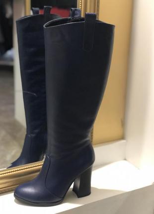 Демисезонные кожаные сапоги на высоком каблуке синего цвета 37...