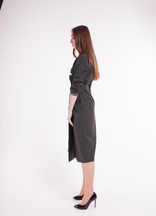 Платье-униформа с плотной костюмной ткани очень круто смотритс...