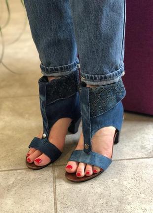 Распродажа босоножки джинсовые на очень удобном каблуке все ра...