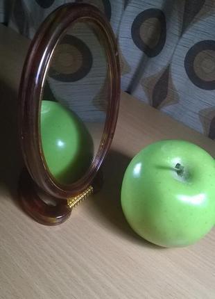 Зеркало увеличивающее косметическое для макияжа