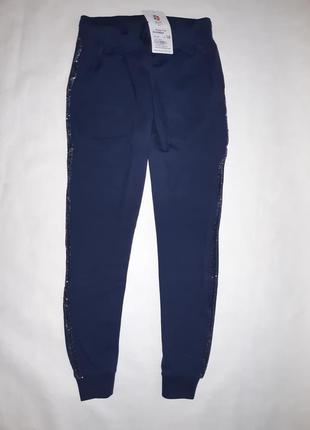 Стильные спортивные штаны для девочек