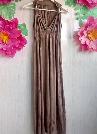Длинное платье в греческом стиле бежевое