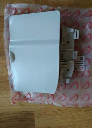 Крышка люка топливного бака Trafic/Vivaro 8200023826