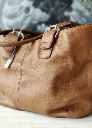 Tignanello. сумка из натуральной кожи.