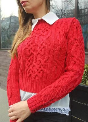 Укороченный вязаный свитер ручной работы