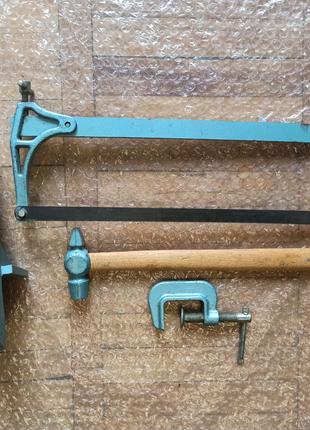 Набор инструментов.