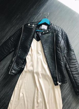Куртка-косуха из плотного, качественного кожзама 😎