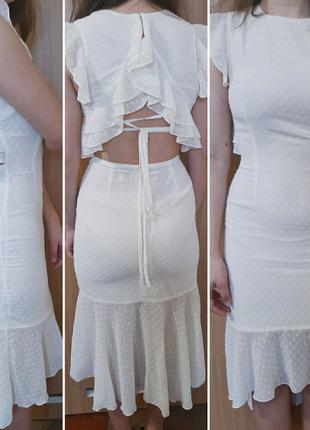 Платье с открытой спиной миди