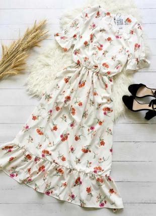 Шикарное белое платье  миди в цветочный принт  с рюшами