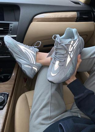 Adidas yeezy boost женские кроссовки