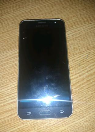 Смартфон Samsung j320