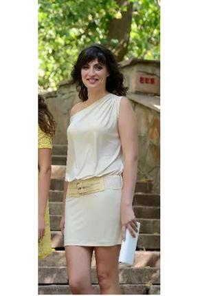 Супер офигенное платье молочное на одно плечо от  кира пластинина