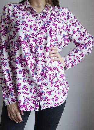 Блузка из вискозы с красивым цветочным принтом