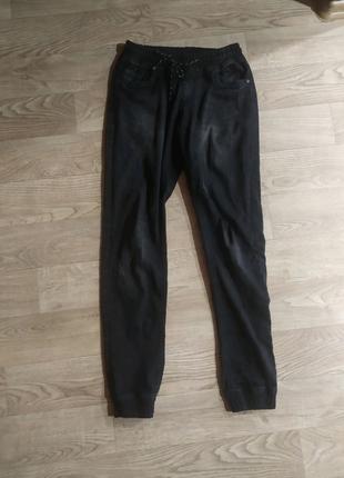 Черные штаны с манжетами