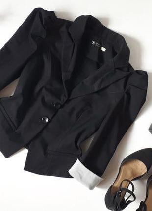Черный пиджак рукав фонарик мелкая полоска на манжетах кроп пи...